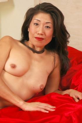 Sexy Asiatin Nackt